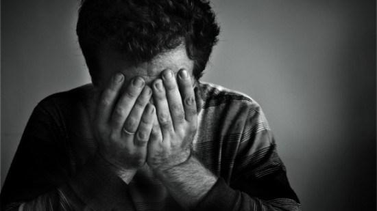 grieving-father-e1443834867425